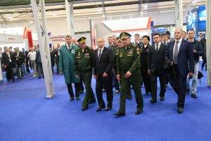 16 июня Губернатор Московской области Андрей Воробьев посетил международный военно-технический форум Армия-2015