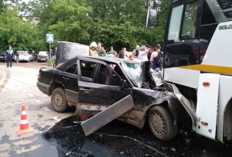 Под Наро-Фоминском произошло ДТП с участием автобуса и легкового автомобиля